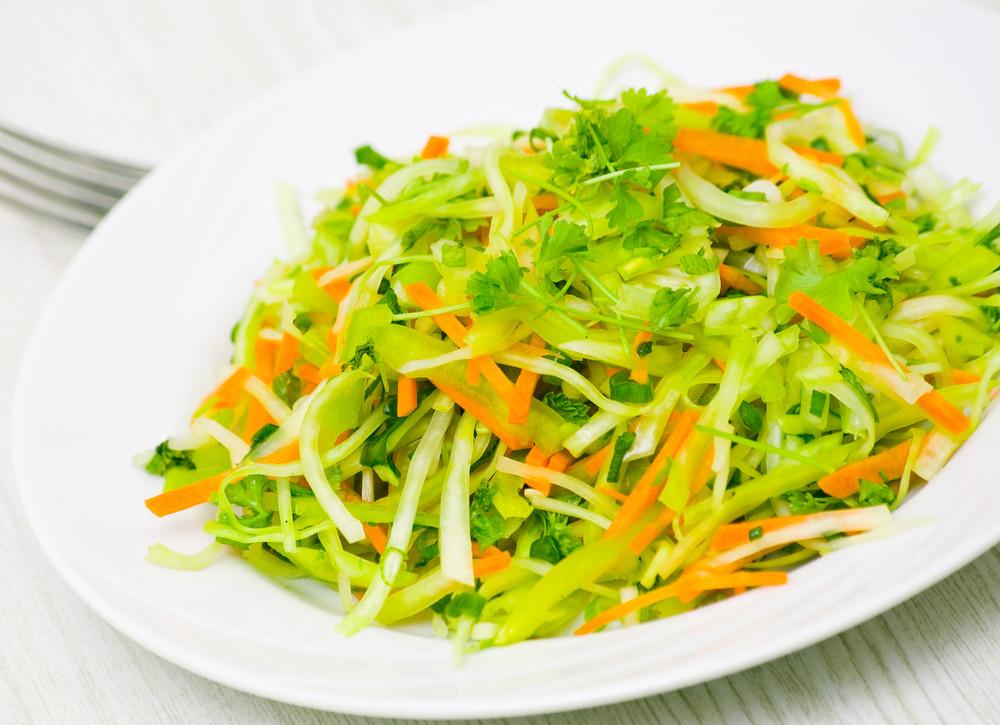 салаты из капусты белокочанной рецепты с фото
