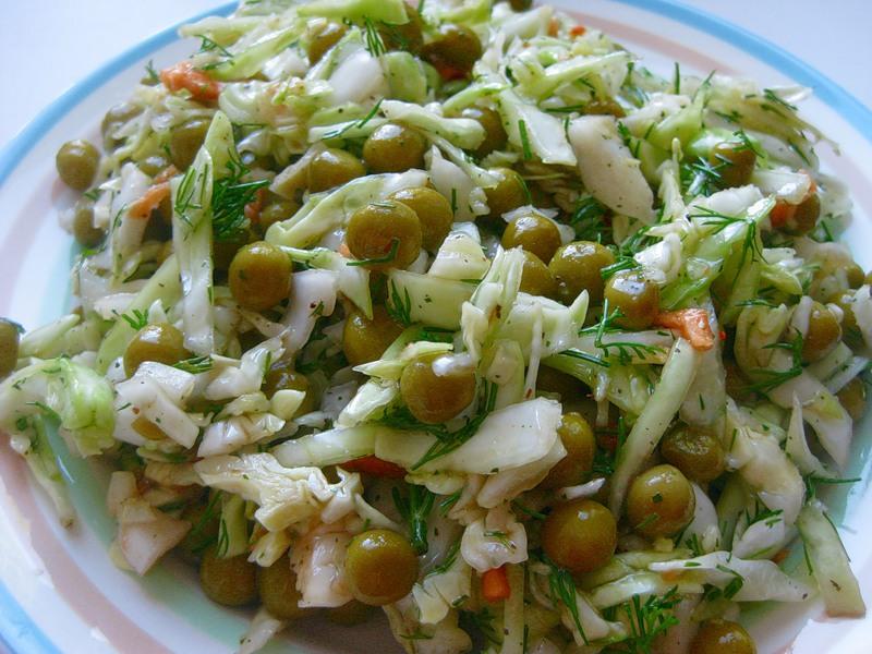 рецепт салат с капустой и горошком и