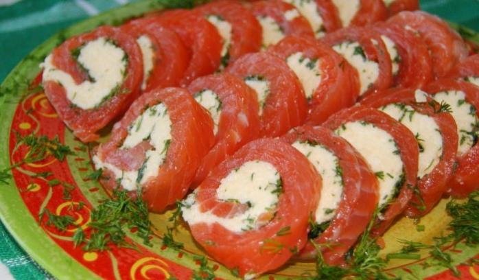 Рулет из семги с сыром пошагово